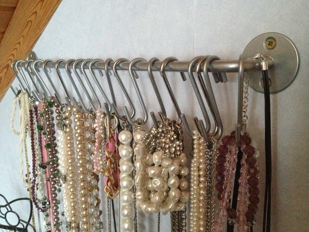Diy jewelry storage karoleen - Porta cd fai da te ...