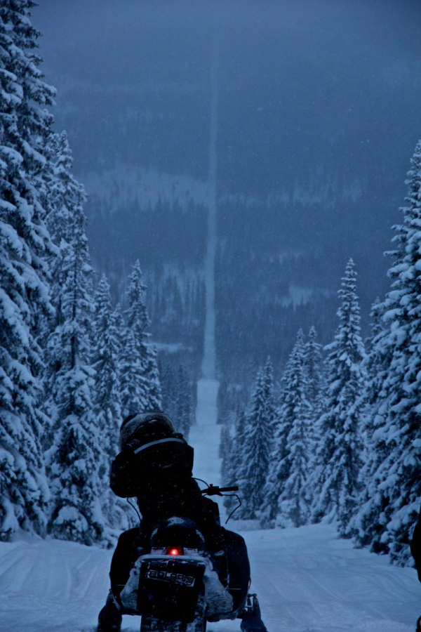 norway-sweden-border-snowmobile-winter