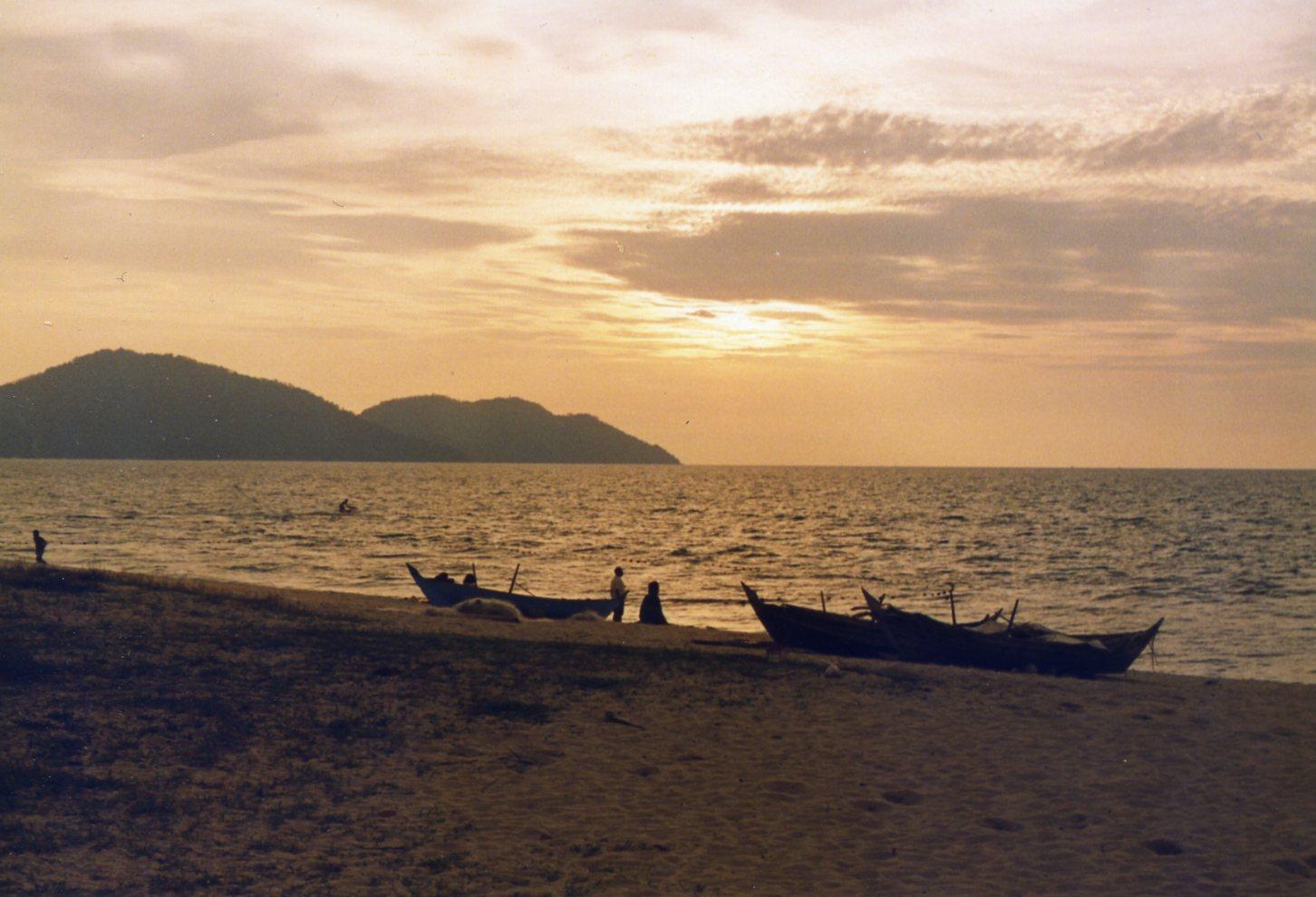 Solnedgång på en ö i Malaysia... (Inskannat foto 1994-1998)