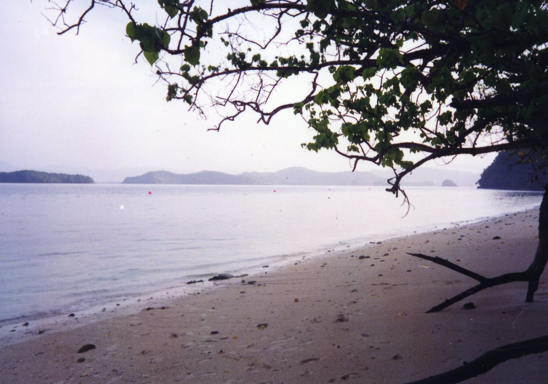 En strand i Malaysia (Inskannat foto 1994-1998)